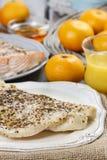 Merluzzo al forno sul piatto bianco Immagini Stock