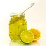 Mermelada de la cal del limón con la fruta Imagen de archivo libre de regalías