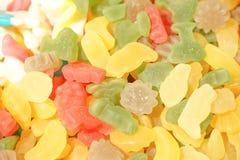 Mermelada multicolora deliciosa de la fruta caramelos brillantes malsanos en bulto diverso cierre de la foto de la jalea dulces s foto de archivo libre de regalías