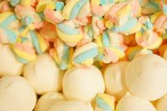 Mermelada multicolora deliciosa de la fruta caramelos brillantes malsanos en bulto diverso cierre de la foto de la jalea dulces s fotos de archivo