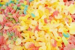 Mermelada multicolora deliciosa de la fruta caramelos brillantes malsanos en bulto diverso cierre de la foto de la jalea dulces s fotografía de archivo libre de regalías