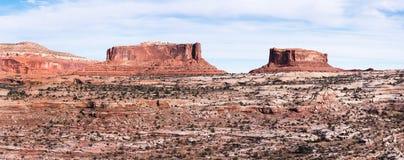 Merrimac-Butte und Monitor Butte in Süd-Utah lizenzfreies stockfoto