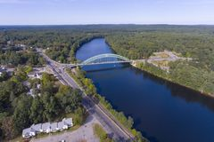 Merrimack flod i Tyngsborough, MOR, USA royaltyfri foto