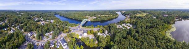 Merrimack flod i Tyngsborough, MOR, USA Arkivbilder