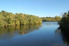 Merrimack Fluss im frühen Fall Stockbilder
