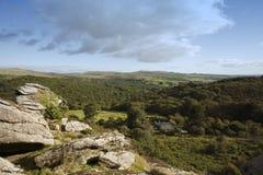 Merrivale национального парка Dartmoor и скалистая вершина vixen Стоковые Фотографии RF