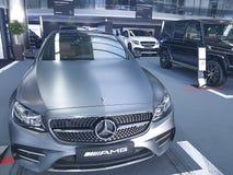Mersedes för bil för stil för presentation Ukraina Kiev Januari 21, 2018 för ny design modern elegant Benz, i visningslokalen royaltyfri fotografi