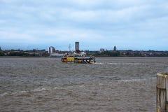 Mersey prom Birkenhead od Albert doku w Liverpool w Merseyside w Anglia Zdjęcia Royalty Free