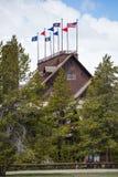 Mesón y casa de campo fieles viejos - parque nacional de Yellowstone Imagen de archivo