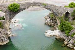 Mes无背长椅桥梁,阿尔巴尼亚 免版税库存照片