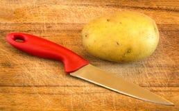Mes en aardappel Stock Afbeeldingen