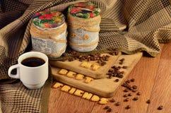 Mes meilleurs amis Tasse de café et un texte, composé de biscuits Image stock