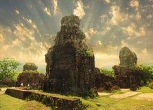 Mes temples de fils au lever de soleil, Vietnam photo stock