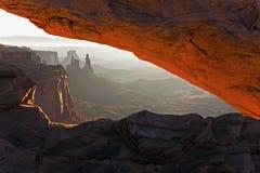 Mesa曲拱在峡谷地国家公园,犹他 库存图片