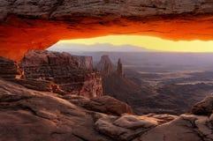 MESA-Bogen am Sonnenaufgang Stockfoto