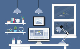 Mesa com grupo, originais e artigos de papelaria do computador Local de trabalho para Imagens de Stock Royalty Free