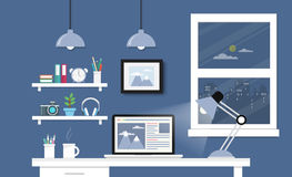 Mesa com grupo, originais e artigos de papelaria do computador Local de trabalho para Imagens de Stock