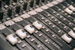 mesa de controle da Som-gravação Imagens de Stock