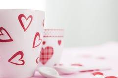 Mesa de desayuno del día del ` s de la tarjeta del día de San Valentín Fotos de archivo