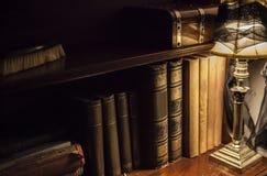Mesa de escritório velha imagem de stock royalty free
