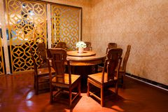 Mesa de jantar à moda e luxuoso Foto de Stock