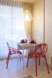 Mesa de jantar moderna Fotografia de Stock