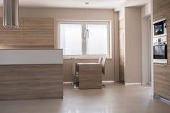 Mesa de jantar pequena na cozinha Imagem de Stock Royalty Free