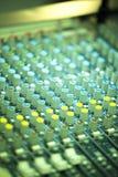 Mesa de mistura da música ao vivo do disco-jóquei Imagens de Stock
