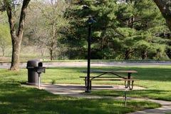 Mesa de picnic Fotos de archivo