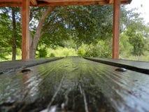 Mesa de picnic Imágenes de archivo libres de regalías