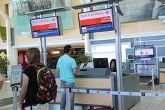 Mesa de registro de Air Canada no aeroporto de YVR Fotografia de Stock Royalty Free