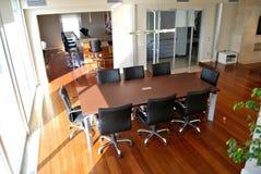 Mesa de reuniones Imágenes de archivo libres de regalías