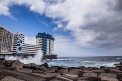 Mesa del Mar, Santa Cruz de Tenerife, Kanarische Inseln, Spanien - 13 05 2018: Küstenlinie in Mesa del Mar stockfotos