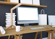 Mesa do trabalho do modelo com um PC 3d Foto de Stock Royalty Free