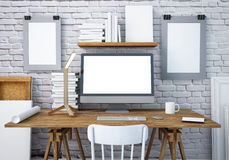 Mesa do trabalho do modelo com um PC 3d Fotografia de Stock