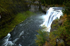 Mesa Falls Large Waterfall River-Krachtige Canion Stock Afbeeldingen