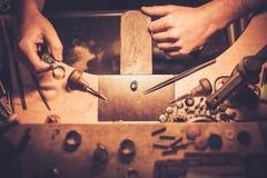 Mesa para la joyería del arte Fotos de archivo libres de regalías