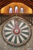 Mesa redonda do rei Arthur na parede do templo em Winchester Inglaterra U fotos de stock royalty free