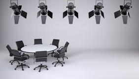 Mesa redonda e oito cadeiras do escritório Foto de Stock Royalty Free