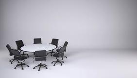 Mesa redonda e oito cadeiras do escritório Fotos de Stock