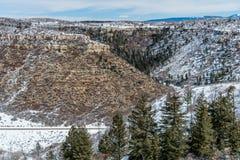 Mesa verde国家公园沙漠山冬天雪风景 库存图片