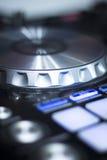 Mescolanza delle piattaforme girevoli di Ibiza DJ Immagini Stock Libere da Diritti