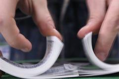 Mescolanza delle schede della mazza Fotografie Stock