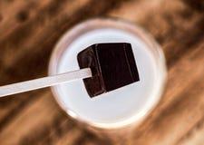 Mescolatore del cioccolato fondente Fotografie Stock Libere da Diritti