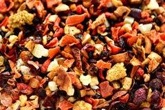 Mescoli il karkade del tè con i frutti ed i fiori secchi Fondo e struttura del tè della frutta Vista superiore Priorità bassa del Fotografia Stock