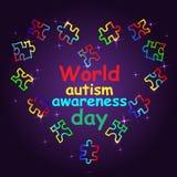 Mese di consapevolezza di autismo Iscrizione di tendenza Multi puzzle colorato dentro Immagine Stock Libera da Diritti