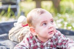 6 meses bonitos do sorriso do bebê Imagens de Stock Royalty Free