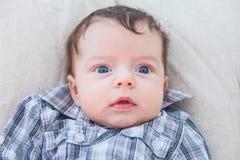 2 meses de bebê idoso em casa Fotografia de Stock