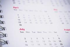 Meses y fechas en calendario Imágenes de archivo libres de regalías