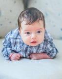 2 mesi del neonato a casa Immagine Stock